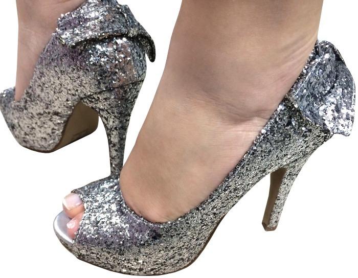 e98d2e068b Sapato Salto Alto Peep Toe Prata Glitter Brilho Laço 1648 - R  159 ...