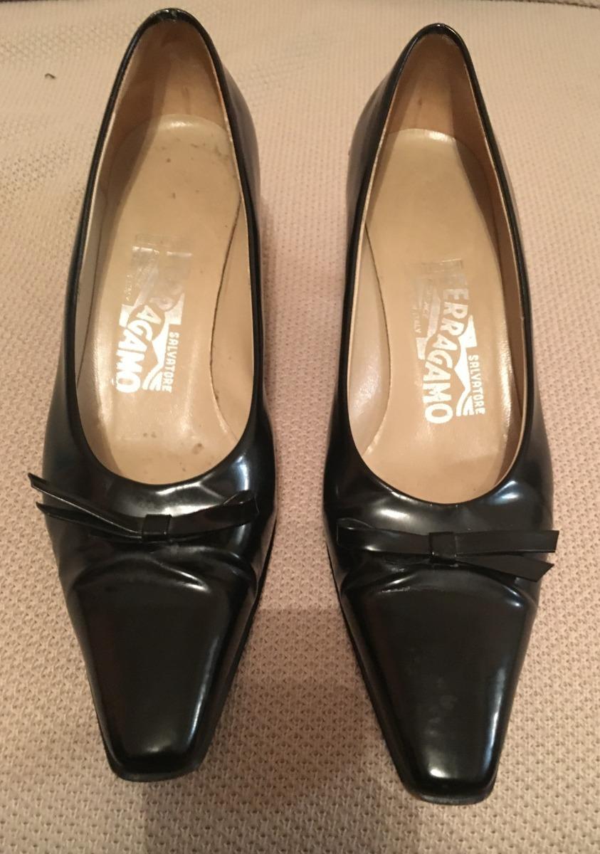 21a11672cdf7c sapato salvatore ferragamo feminino original couro preto 35. Carregando  zoom.