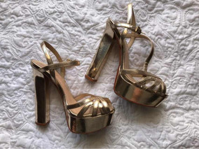 a28f82c240 Sapato Sandália Salto Alto Dourado Schutz Meia Pata
