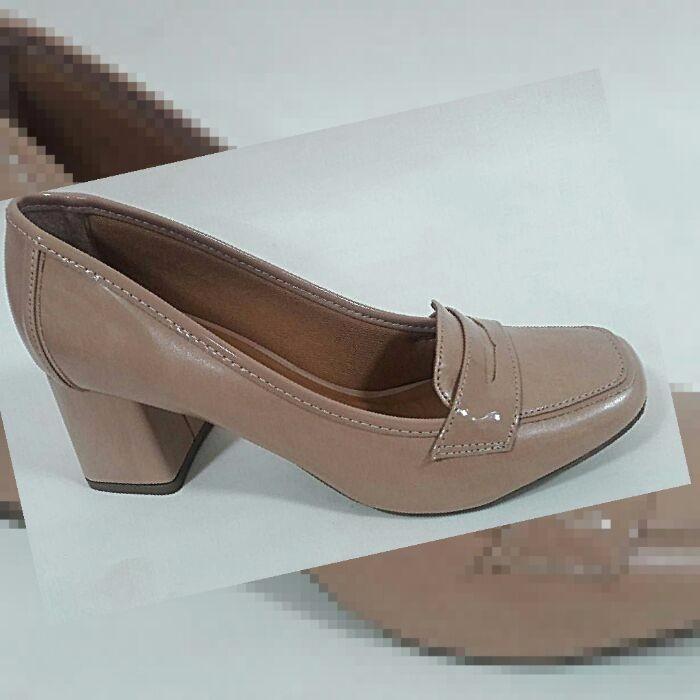 b71063bb47 Sapato Scarpin Creme Bege Salto Grosso Medio Bico Quadrado - R  157 ...