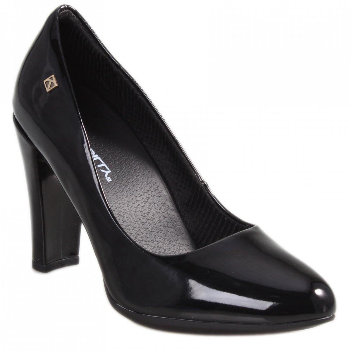 cbe645e10d sapato scarpin feminino piccadilly preto verniz. Carregando zoom.