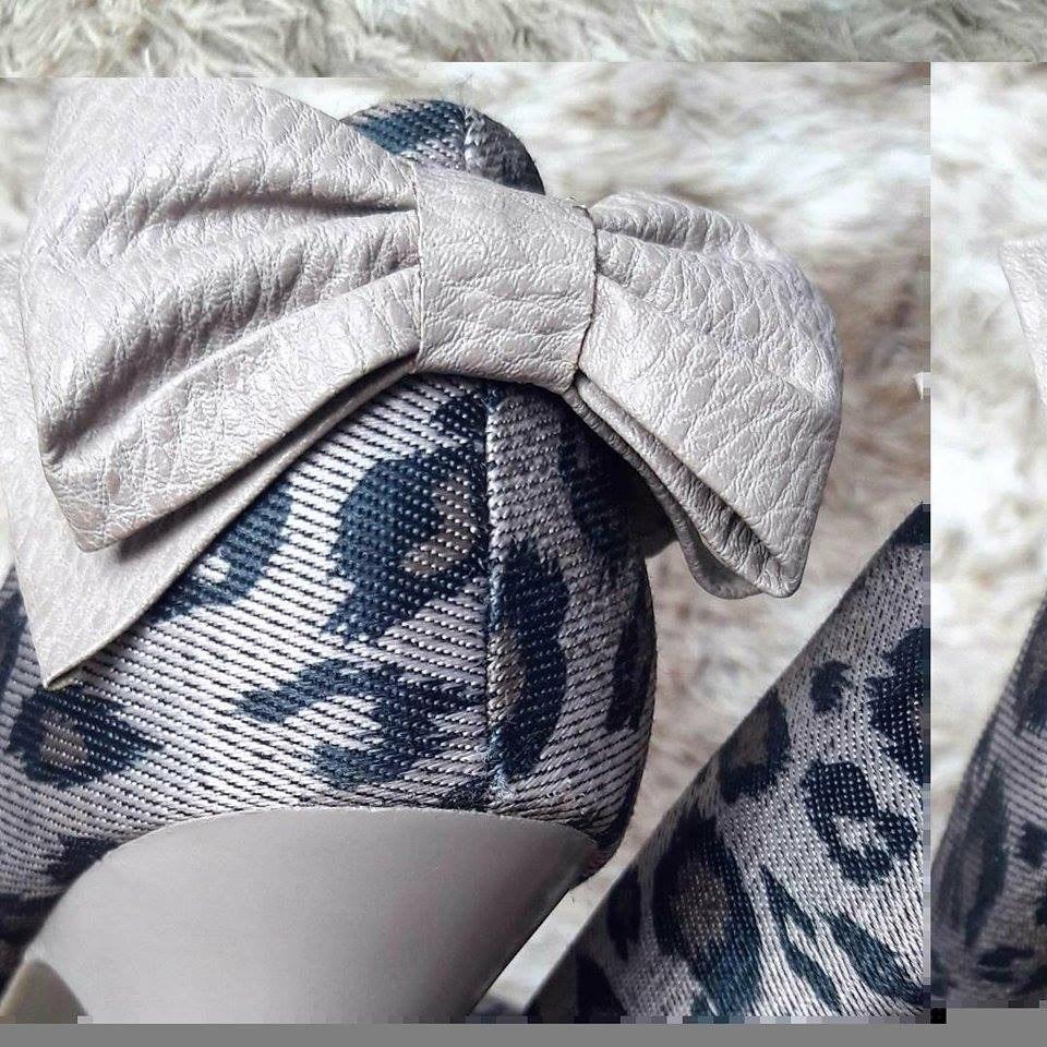 2e0f5f34c6620 sapato scarpin lara costa meia pata onça marrom(brechó) - 37. Carregando  zoom.