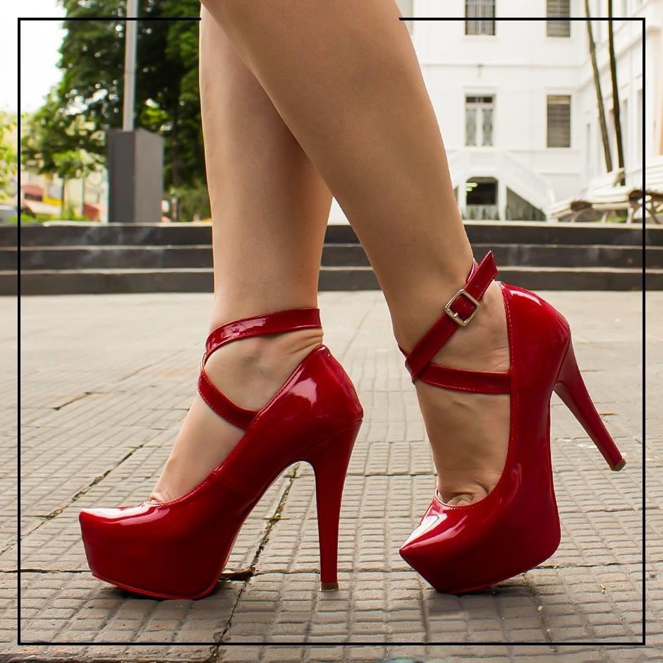 05ac91cfa9 sapato scarpin meia pata vermelho tira gladiadora salto alto. Carregando  zoom.