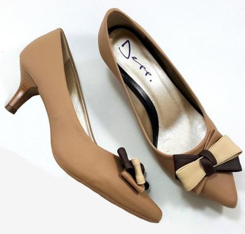 sapato scarpin salto de 5 cm tabaco com laço triplo