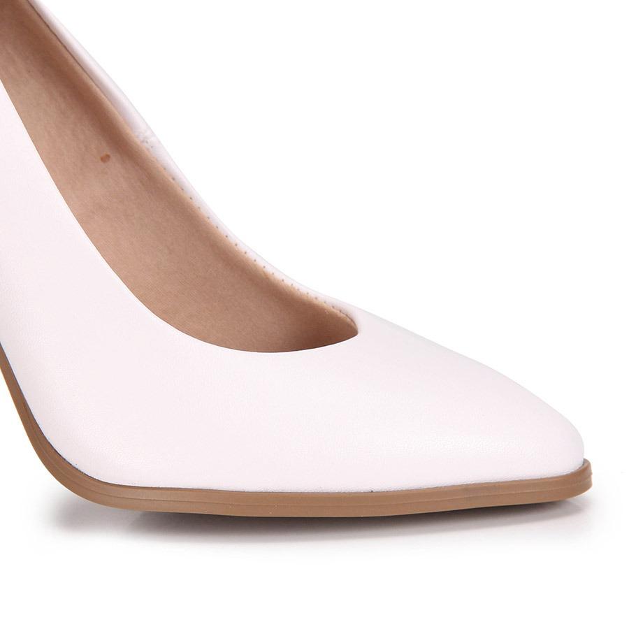 a66a835c44 sapato scarpin salto grosso conforto beira rio - branco. Carregando zoom.