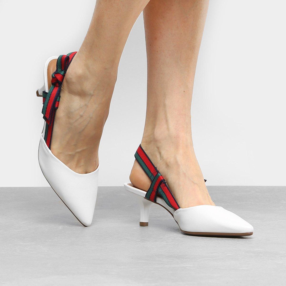 b080ba9d64 Sapato Scarpin Chanel Vizzano Salto Baixo Laço Gorgurão - R  120