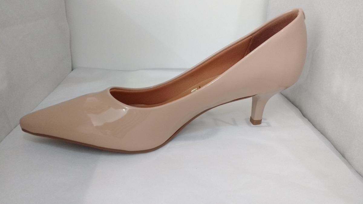 2310826efc sapato scarpin vizzano verniz bege salto 6cm 1122600. Carregando zoom.
