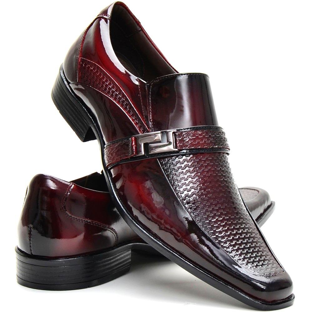 0cb60723cd sapato social couro envernizado masculino stilo italiano. Carregando zoom.