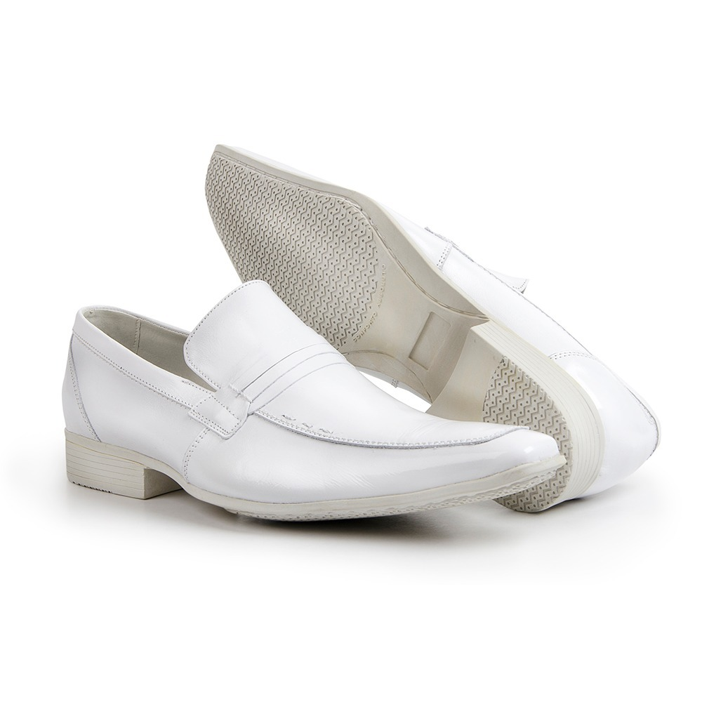 bbb9f9c5a8 Sapato Social Masculino Bico Fino Liso Branco 359 - R$ 179,90 em ...