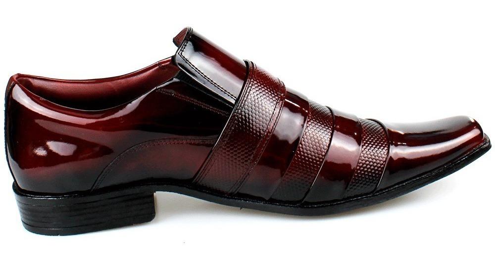 3b889509e sapato social masculino couro verniz vinho kit com cinto. Carregando zoom.