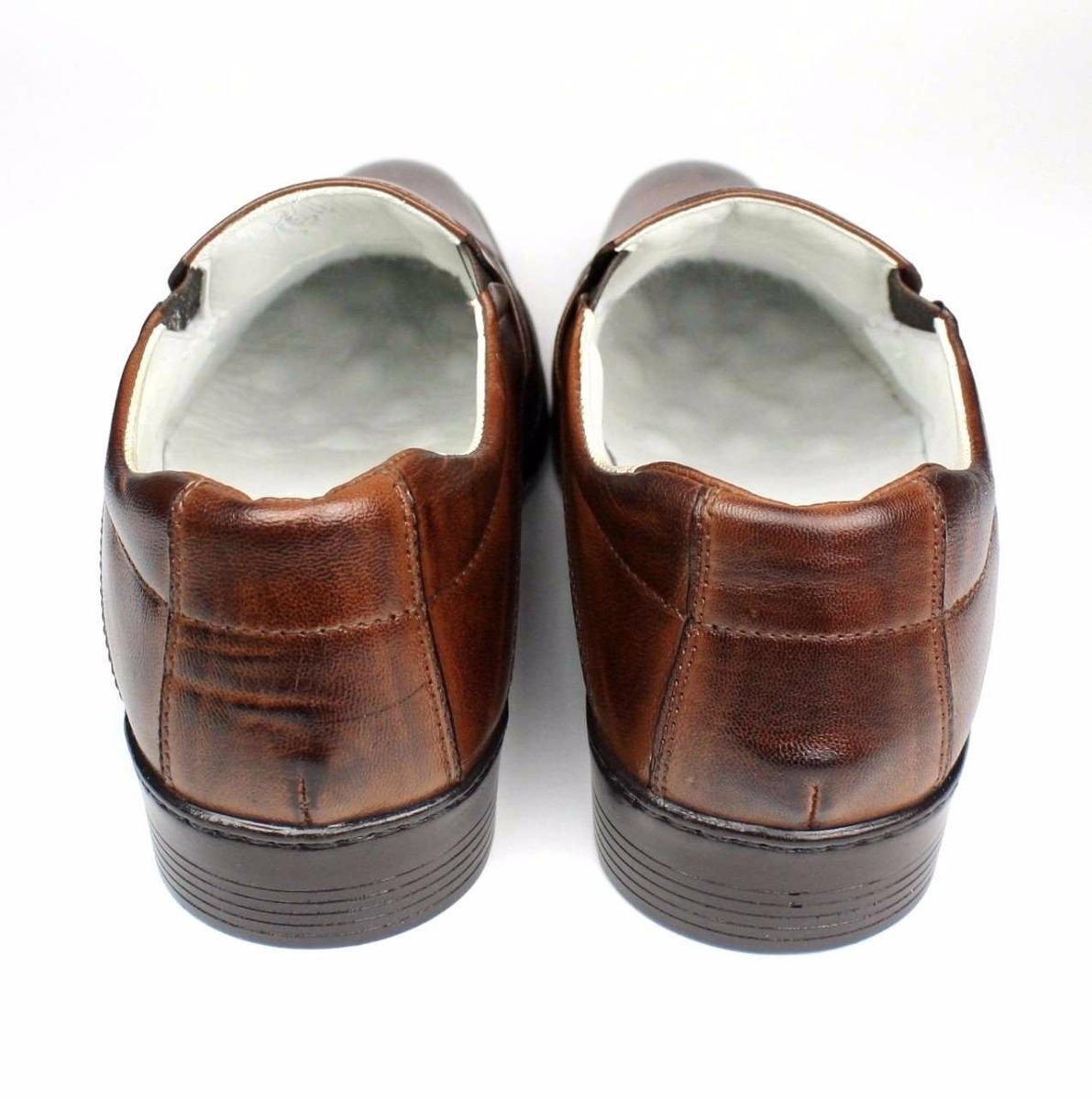 9ee7c0a23e sapato social masculino em couro marrom ou preto sofisticado. Carregando  zoom.