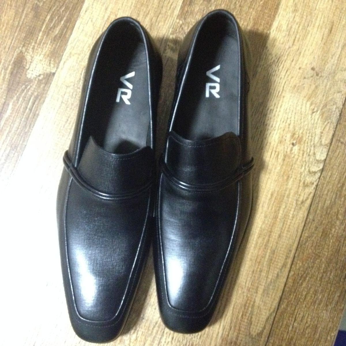 c89e0efc08 sapato social masculino - v r. Carregando zoom.
