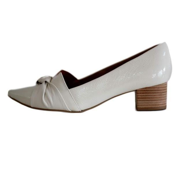24ee8882328 Sapato Usaflex Scarpin Bico Fino Em Couro Areia 4304 - R  297