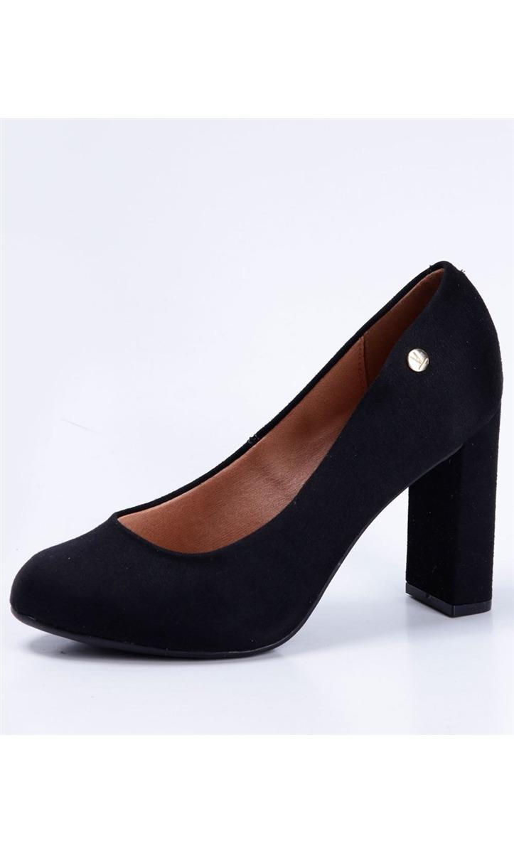 b0484c9b6 sapato vizzano scarpin fechado em camurça salto alto preto. Carregando zoom.