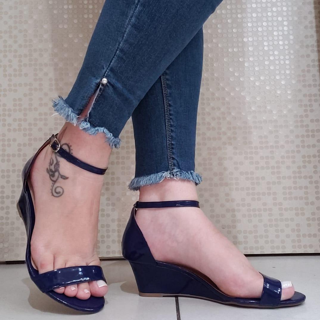 ac72ce9fd sapatos femininos atacado salto baixo azul lindos modelos 34. Carregando  zoom.