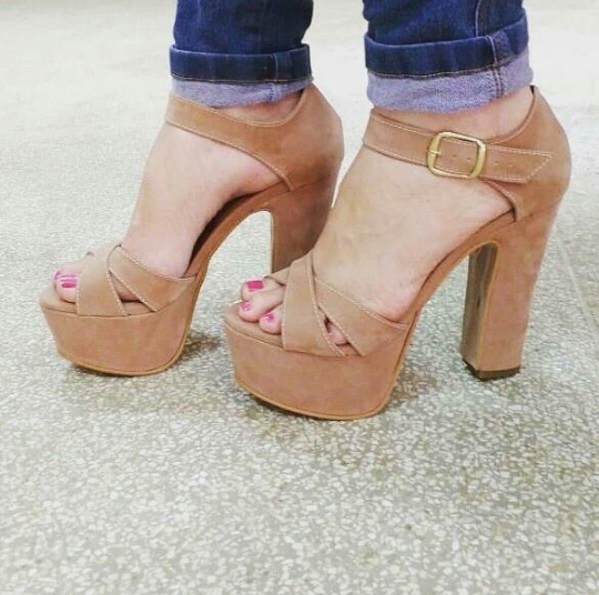 58a0ab5ff2 sapatos femininos sandálias plataforma festa balada. Carregando zoom.