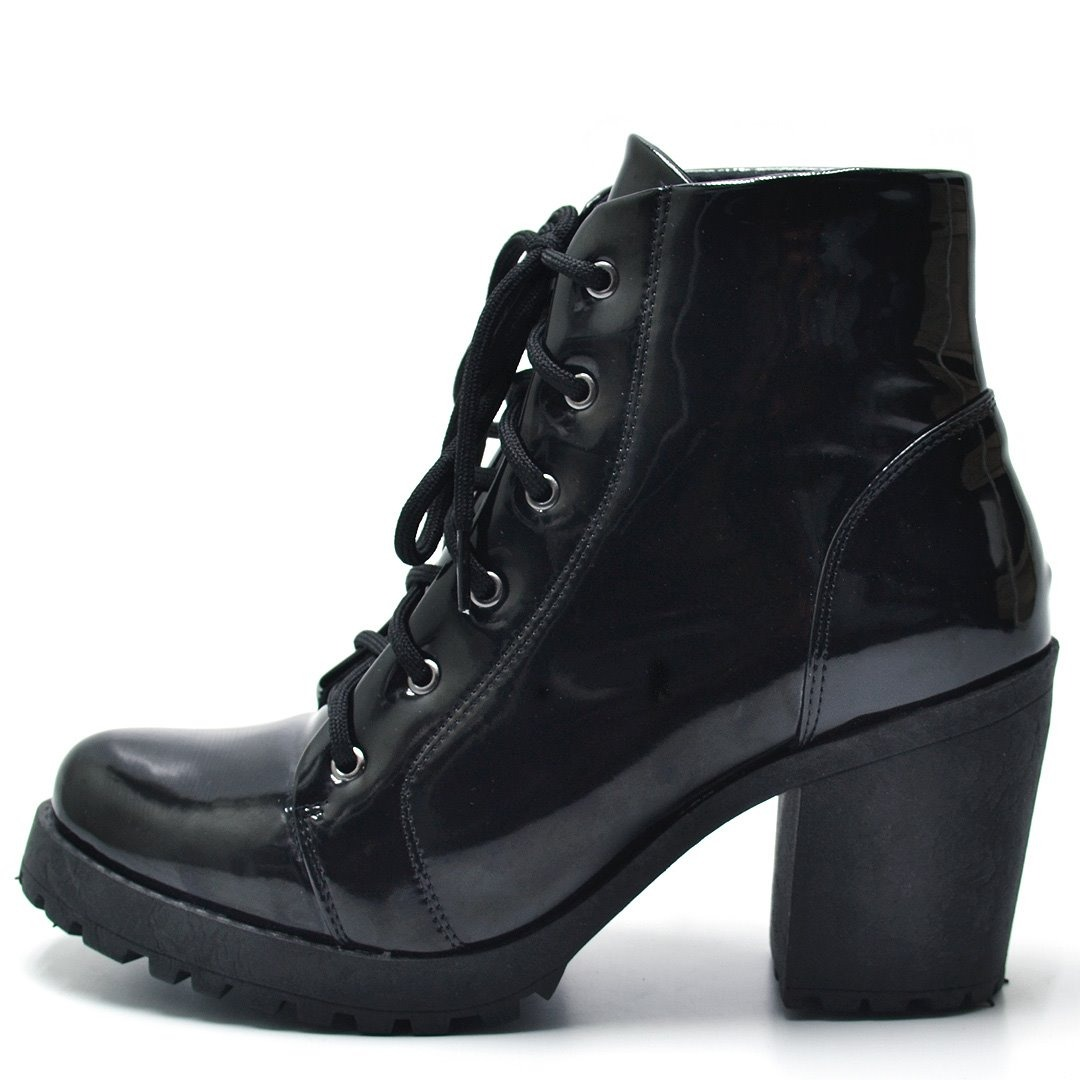 5ddf3c183f sapatos femininos sapato bota tratorad lançamento verão 2019. Carregando  zoom.