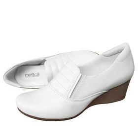fe2d7d70c Sapato De Couro Feminino Anabella Enfermagem - Sapatos no Mercado ...