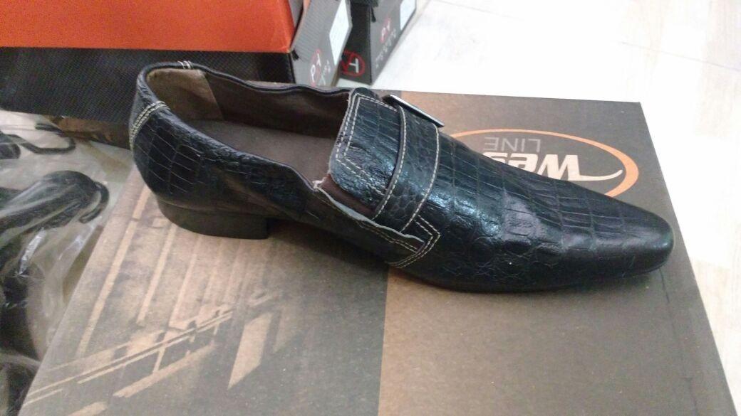 81c4b535d Sapatos Social Masculino Couro + Meia Social + Frete Gratis - R$ 219 ...