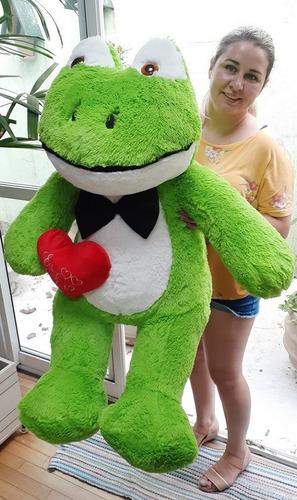 sapo romântico gigante pelúcia grande 120cm + coração love