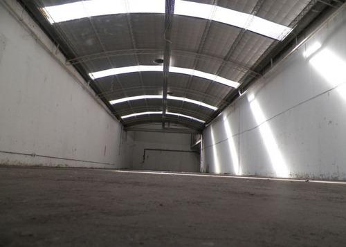 sarandi - avellaneda. alquiler de excelente galpon en  l  con salida a 2 calles.1600 m2. con trifasica.