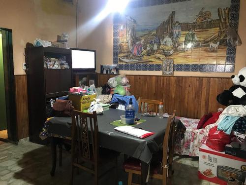 saraza al 1100-parque chacabuco-cap.fed.-local con vivienda