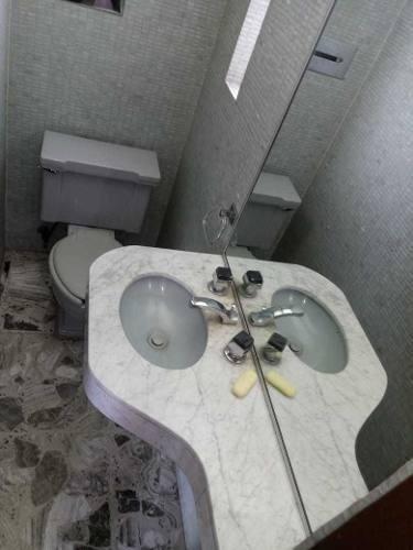 satélite novelistas 3 o 4 recámaras 3.5 baños 4 autos jardín