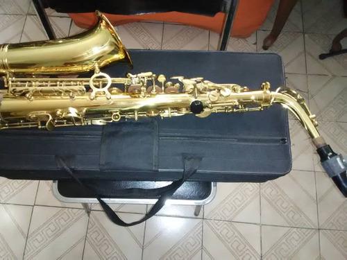 saxofon alto marca  mendini