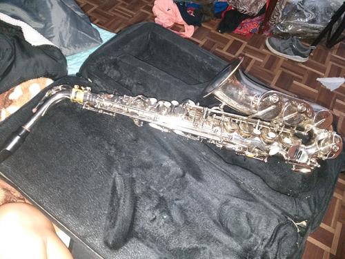 saxofon hermoso