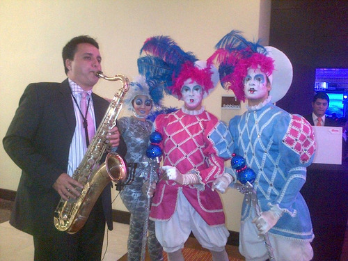 saxofonista claudio de bourg, orquesta bailable , discplay