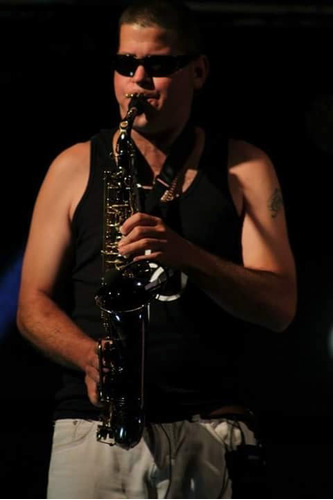 saxofonista eventos (graduado en escuela nacional de artes).