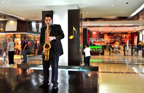 saxofonista eventos y orquesta de trio bailable y discplay