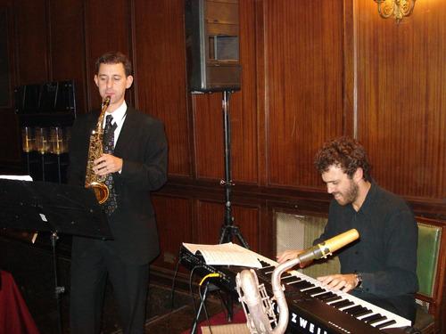 saxofonista fiestas y eventos - show de saxo  clases de saxo