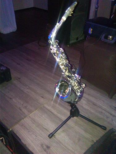 saxofonista internacional !