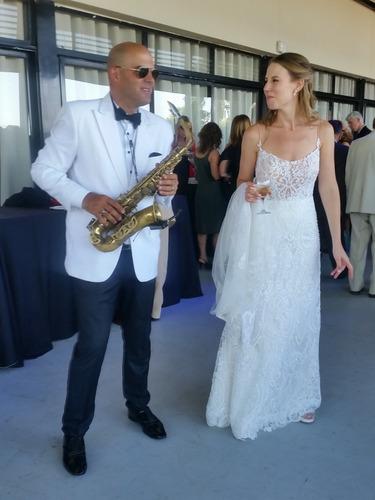 saxofonista para eventos y fiestas show! javier tebele