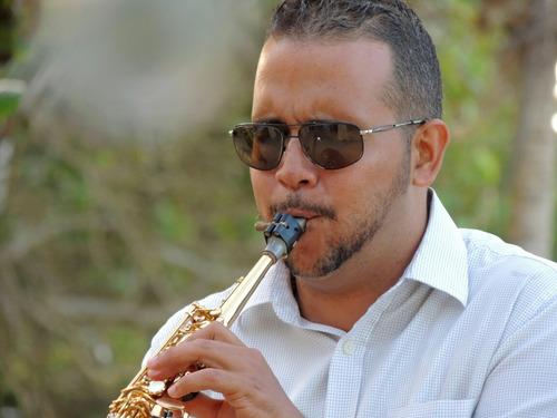 saxofonista para tu eventos en margarita