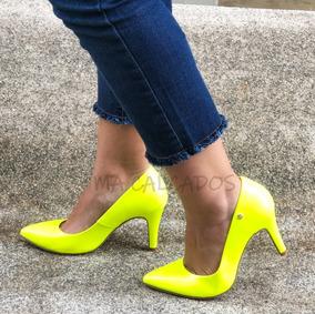 7d48a632bb Scarpin Alto Fino Feminino Neon Amarelo Verniz Chiqui Promo