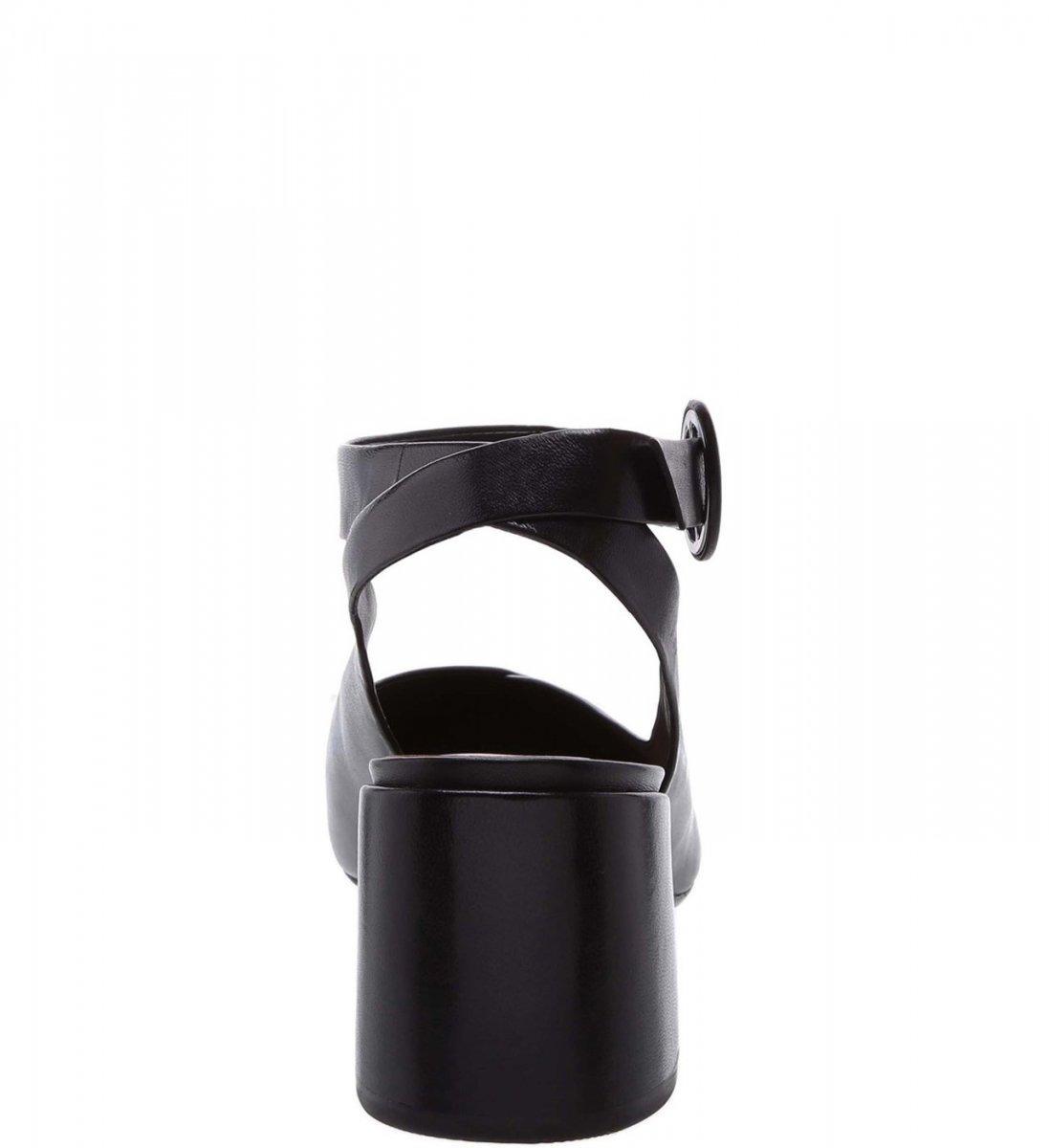 46a36685c Scarpin Arezzo Salto Grosso Chanel De Couro - R$ 269,90 em Mercado Livre