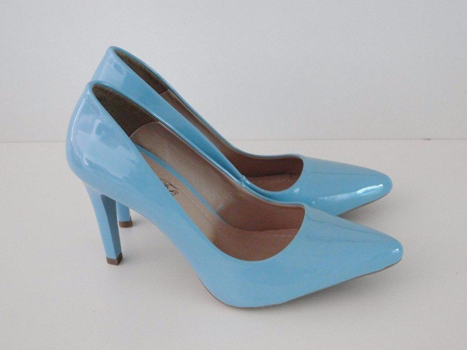 e87f20a3fb scarpin azul claro salto alto fino bico fino verniz. Carregando zoom.