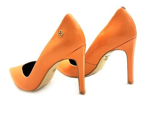 scarpin capodarte liso bico fino salto alto 10cm amarelo