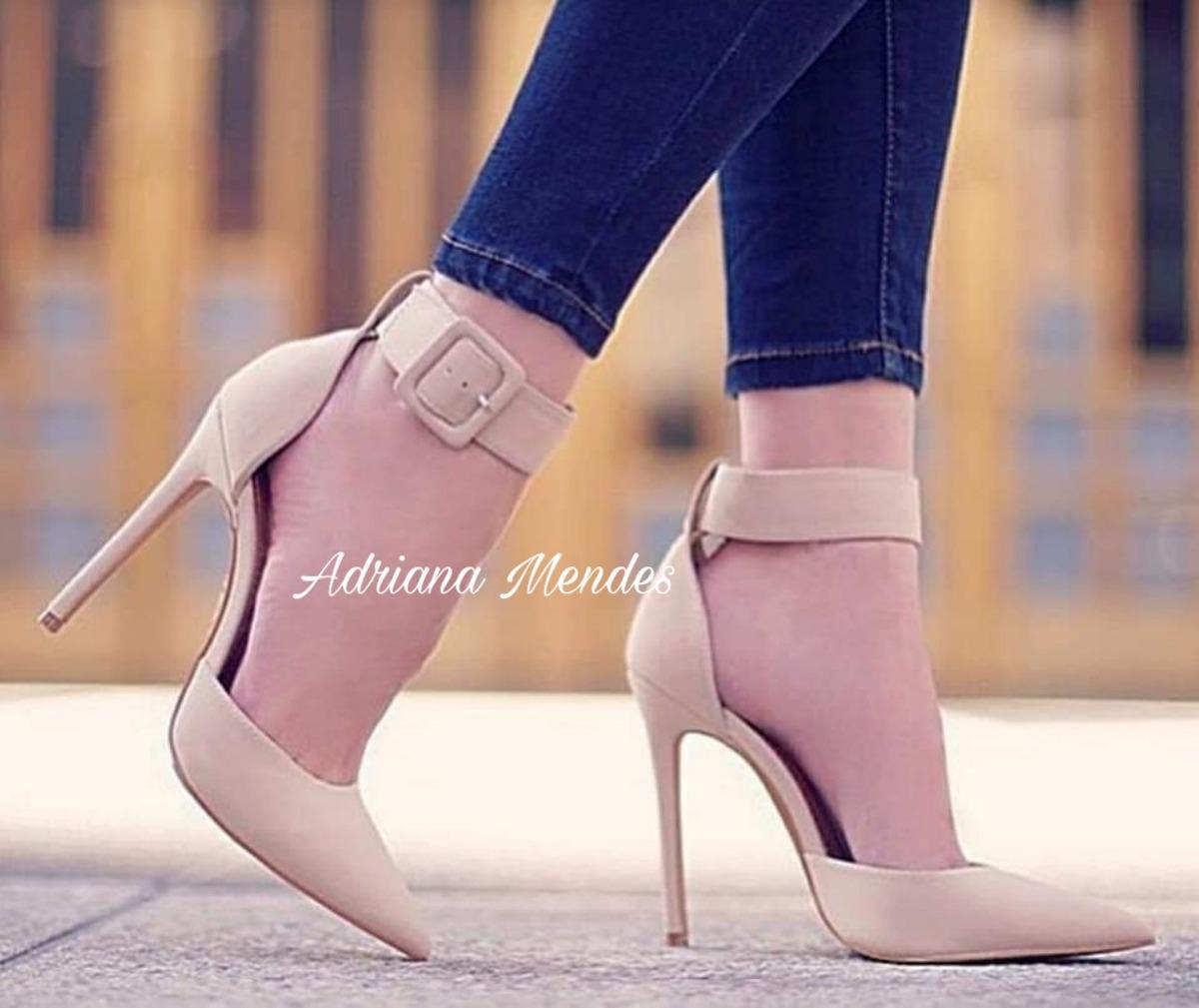 c839d42b1d scarpin feminino bico fino com tornozeleira. Carregando zoom.