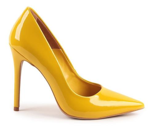 scarpin helo verniz amarelo