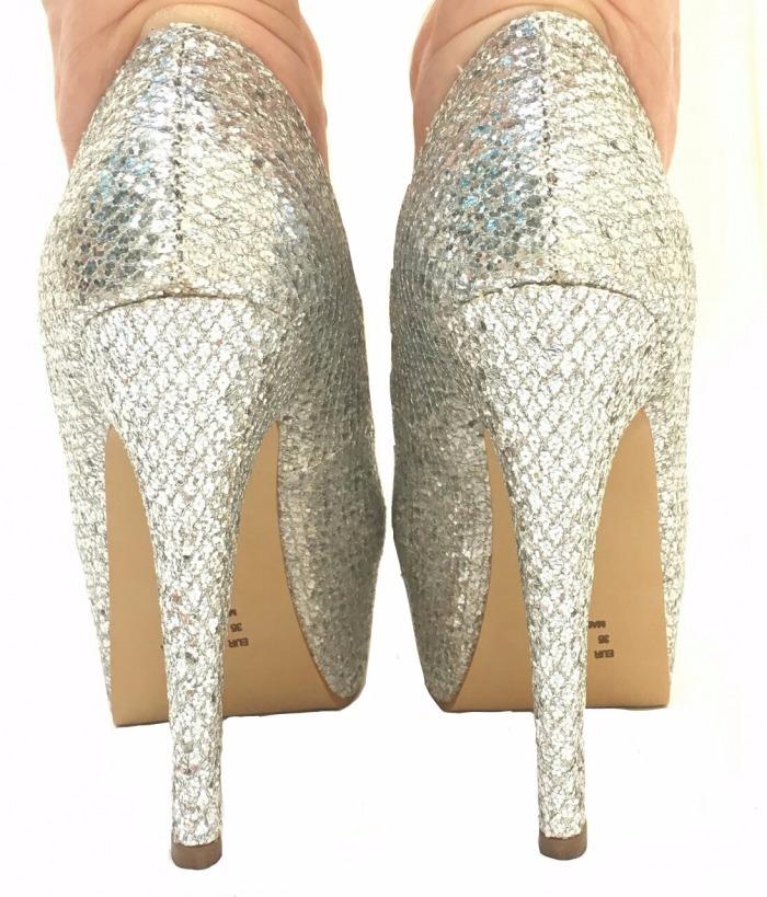 2cd0c1f47 scarpin meia pata prata glitter brilho salto alto fino festa. Carregando  zoom.