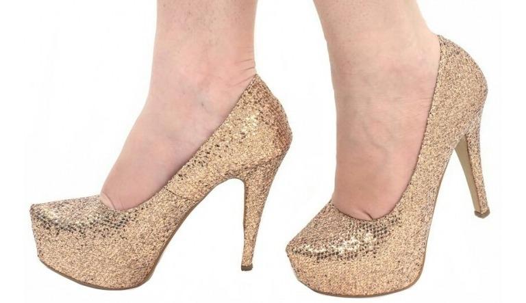 e6fa0b921 scarpin meia pata prata glitter brilho salto alto fino festa. 4 Fotos