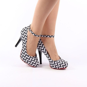 2fe64601e8 Scarpin Preto E Branco Com Solado Vermelho Feminino - Sapatos no ...