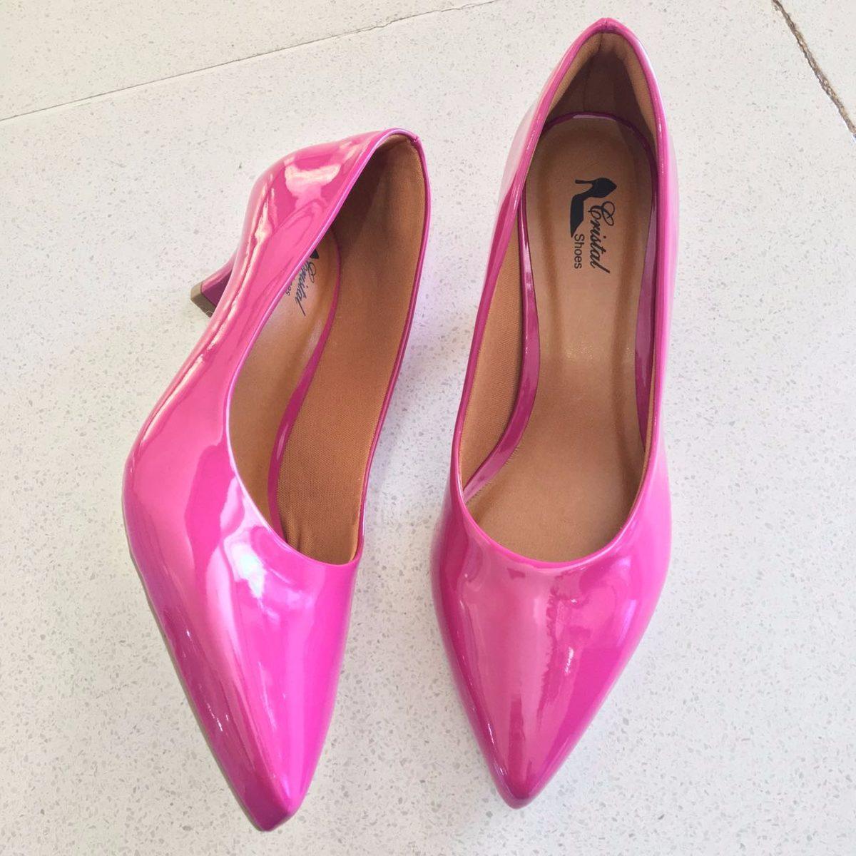 94c1e55726 scarpin rosa pink verniz brilho salto baixo 4 cm bico fino. Carregando zoom.