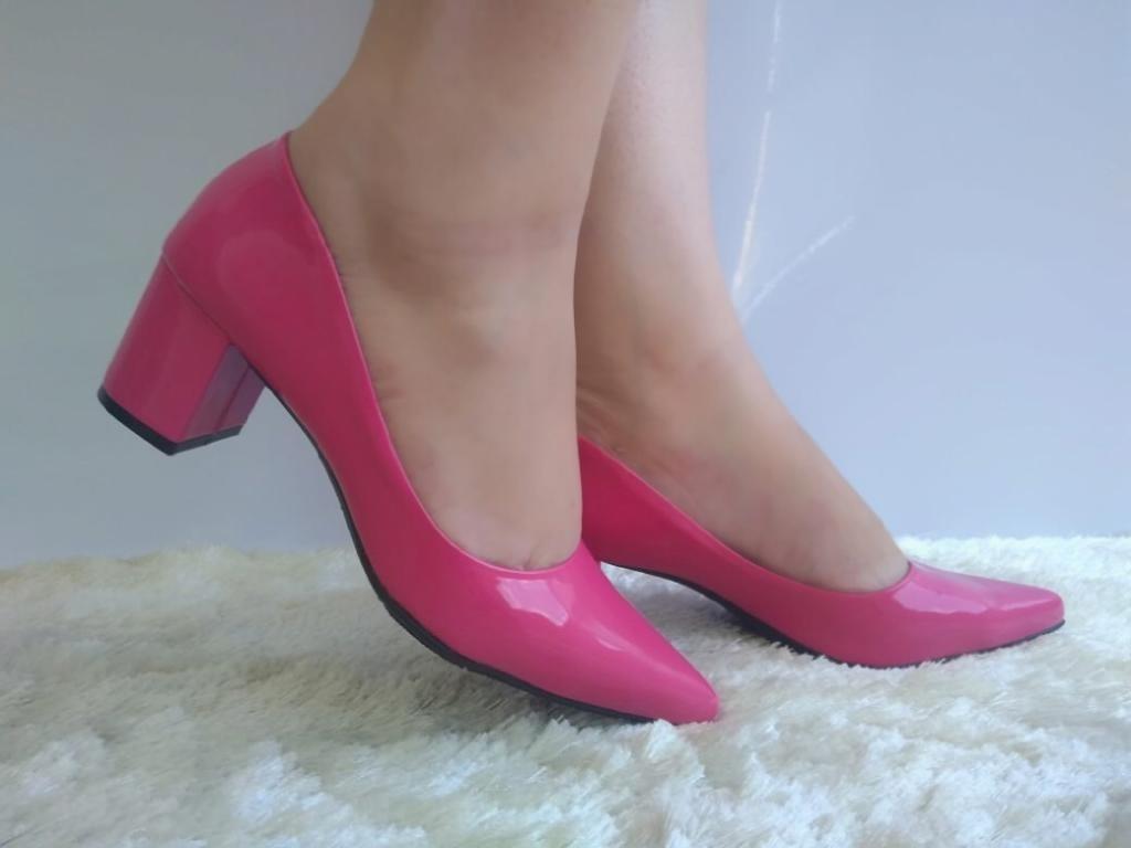 bc274bc03 scarpin rosa pink verniz salto grosso medio baixo bico fino. Carregando  zoom.