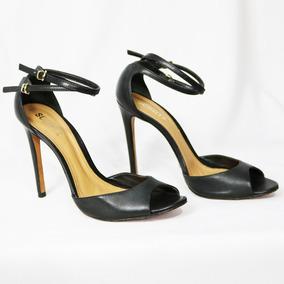 e825fe6154 Lindo Scarpin Nataniele Preto De Outros Tipos Schutz - Sapatos para ...
