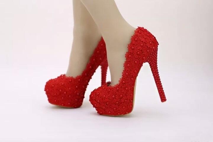 024c690a4 Scarpin Vermelho Renda De Noiva Personalizado Perola Sapato - R$ 289 ...