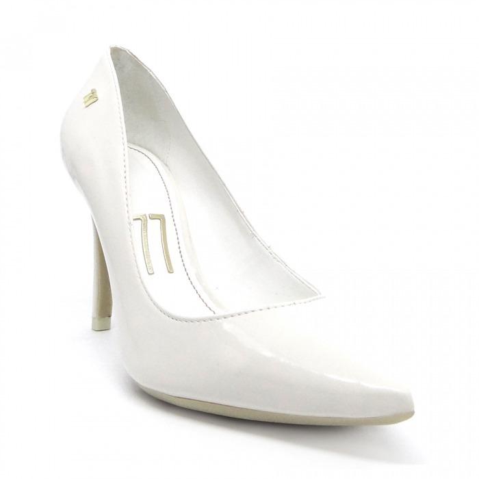 b2881999a5 Scarpin Verniz Branco Sola Branca Salto Alto Fino Bico Fino - R  166 ...